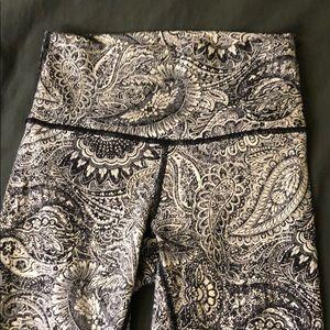 Lululemon high waisted leggings paisley 4